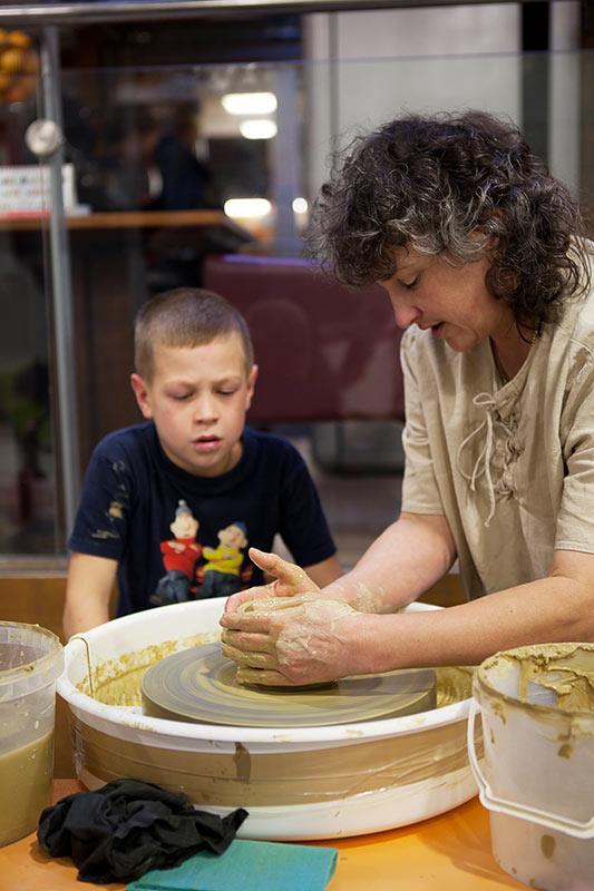 Soňa zelisková - nevidiaca keramikárka
